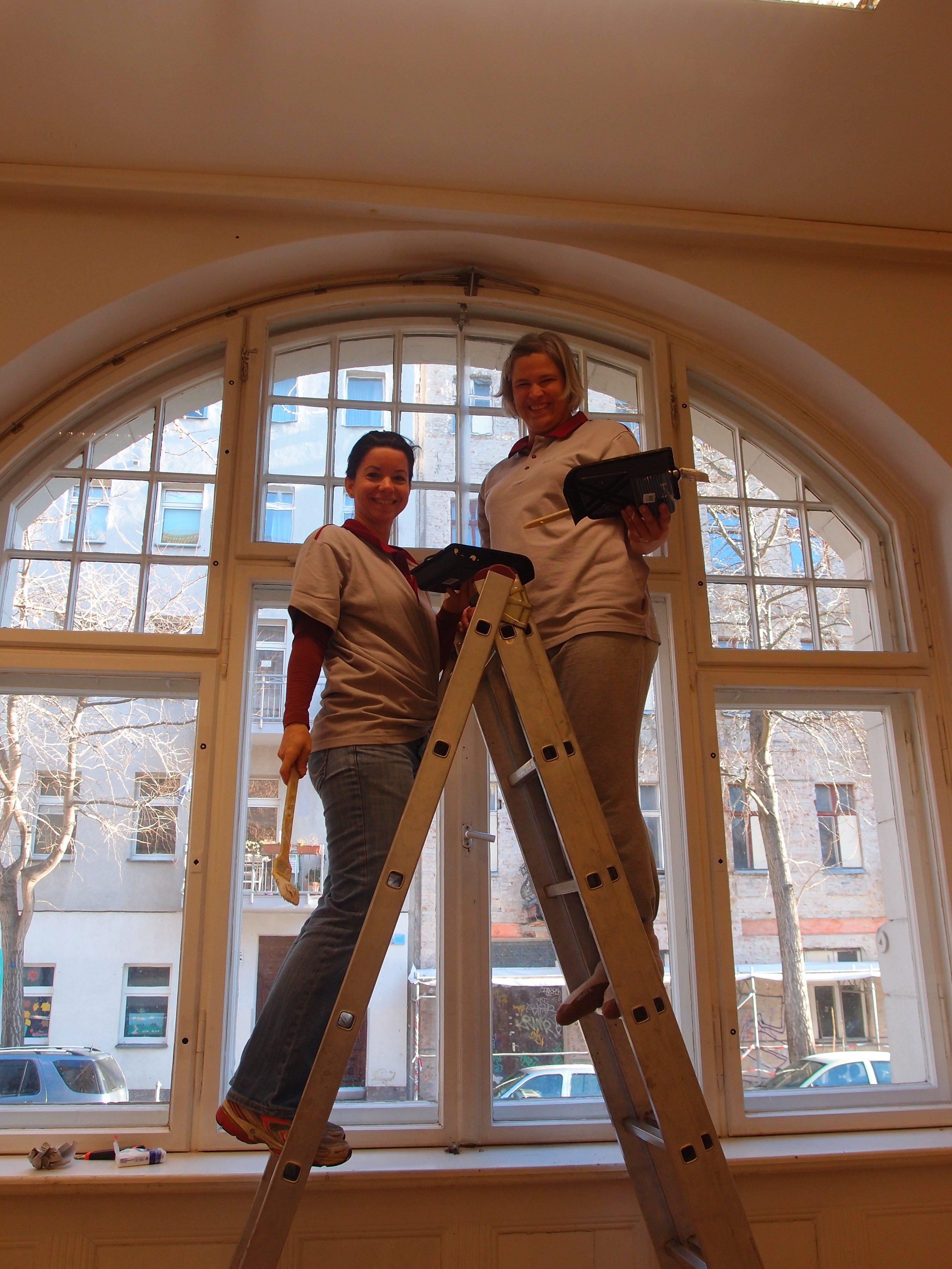 Malerarbeit auf der Leiter