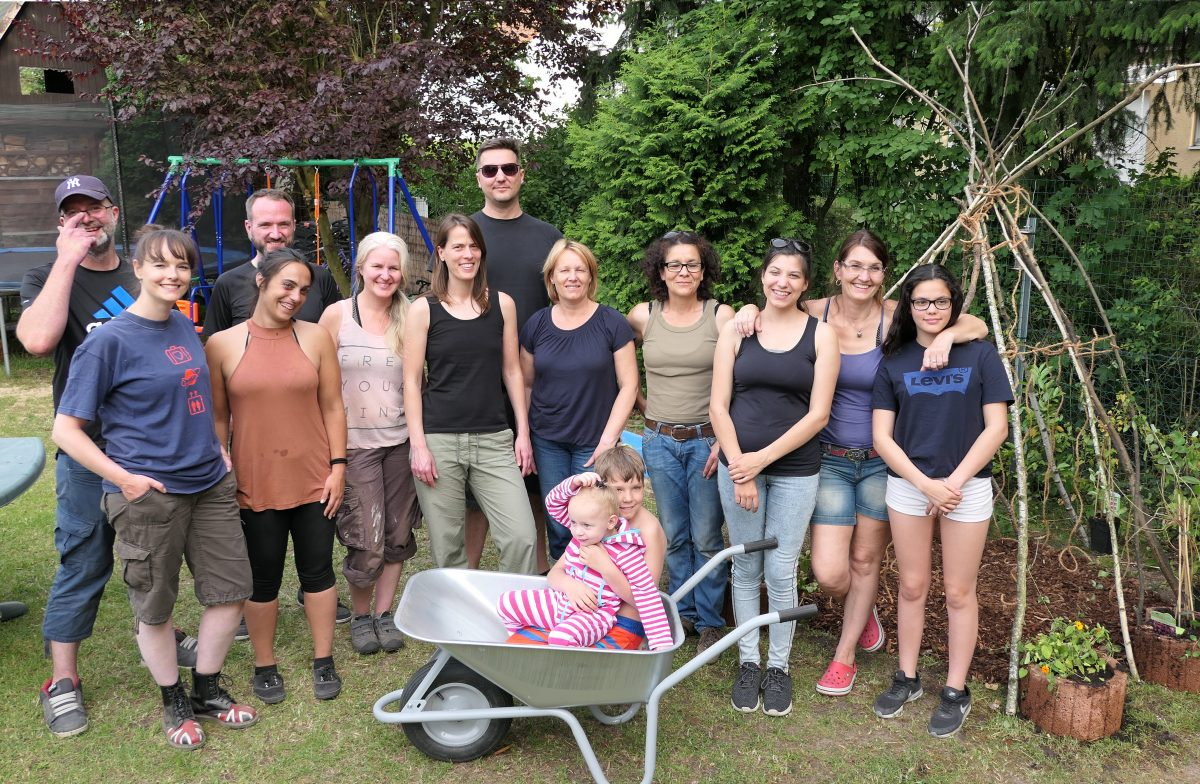 Teambild Teambilding im Garten